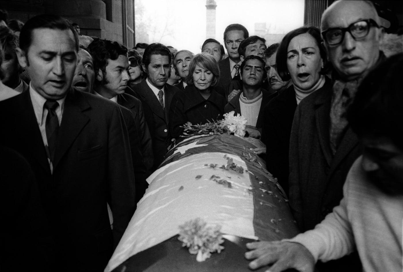 funeral de pablo neruda
